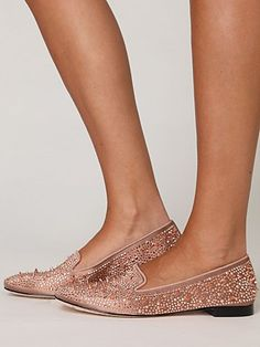 glitter loafers. HECK YES I would buy these and wear them........if I had the calves to do so