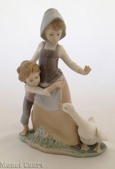 Lladro 5033 Avoiding the Goose Porcelain Figurine - Other