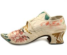 Lady's brocaded silk shoes with a flowery design. Great Britain. c. 1735