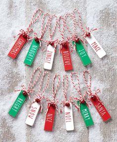 Christmas Ornament Crafts, Christmas Wood, Holiday Ornaments, Christmas Projects, Holiday Crafts, Christmas Holidays, Christmas Craft Fair, Christmas Ideas, Diy Holiday Gifts