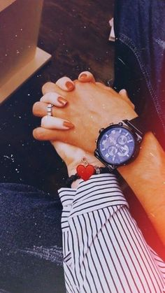 Hand Pictures, Girly Pictures, Cute Couple Pictures, Cute Girl Photo, Girl Photo Poses, Girl Poses, Couple Photoshoot Poses, Couple Photography Poses, Cute Love Couple