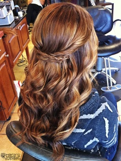 braided half up. love this. might have to choose this hairstyle (or something like it) for a certain upcoming wedding. @Amanda Snelson Snelson Hanley what do you think? :)