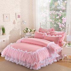 SunnyRain 3-Pieces Solid Color Lacework Luxury Bedding Set King Size Queen Bed Set Cotton Duvet Cover Set Pillow Case