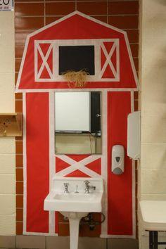 The barn I created for my classroom farm theme.