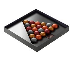 63 Sensational bathrooms with natural stone walls Luxury Chocolate, I Love Chocolate, Chocolate Art, Chocolate Shop, Christmas Chocolate, Chocolate Gifts, Chocolate Designs, Chocolate Boxes, Chocolate Box Packaging