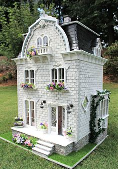 The Completed Willowcrest Estate Busy with the Cricky Vitrine Miniature, Miniature Houses, Miniature Dolls, Dollhouse Design, Dollhouse Dolls, Dollhouse Miniatures, Pink Dining Rooms, Fairy Houses, Doll Houses