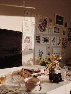 Room Ideas Bedroom, Bedroom Decor, Bedroom Inspo, Deco Boheme, Pretty Room, Vintage Room, Aesthetic Bedroom, My New Room, Decoration