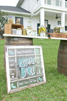 love this pickle bar + sign! | Andi Mans #wedding