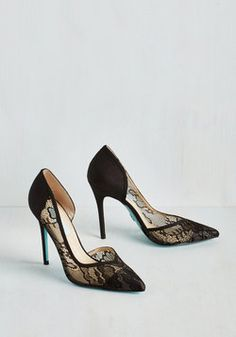 A Toast with the Most Heel in Noir