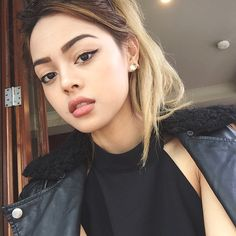 : @princesspollyboutique Lily Maymac, Pretty Face, Girl Crushes, Cool Girl, Makeup Looks, Pearl Earrings, Make Up, Lady, Celebrities