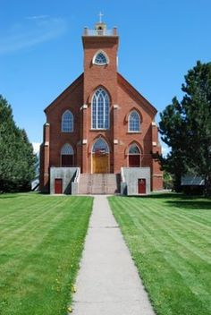 Last week I took a friend for a drive around the valley, as we were talking they stated they had never been to the mission in St. Ignatius, Montana. Upon hearing this I turned the van south, onto the mission we went.  If you have never been there, and are in western Montana its worth the stop.