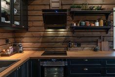 Roger's Hytteside - Den ferdige hytta Cabin Kitchens, Farmhouse Style, New Homes, Kitchen Cabinets, Cottage, Live, Inspiration, Home Decor, Biblical Inspiration