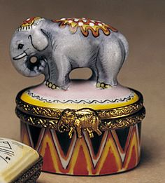 Limoges - Circus Elephant on Drum Elephant Stuff, Love Box, Jewelry Chest, Big Top, Tiny Treasures, Treasure Boxes, Little Boxes, Small Boxes, Little Star