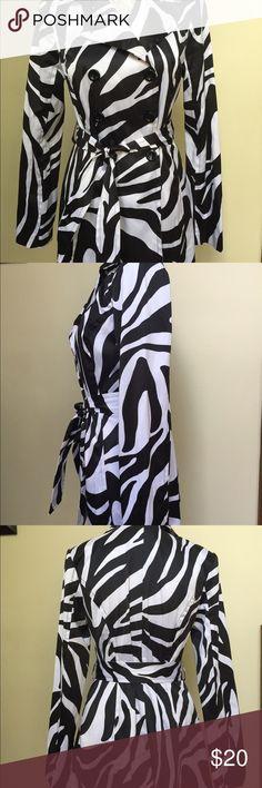 BCX size Medium black & white zebra pattern jacket Gorgeous jacket!  Classy & slimming/figure-flattering.  BCX brand.  Size Medium BCX Jackets & Coats Trench Coats