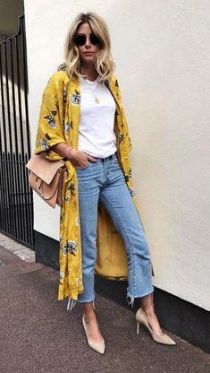 Kimono with jeans outfit (платье халат кимоно с джинсами) - Women Kimono Jackets - Ideas of Women Kimono Jackets Kimono And Jeans, Kimono Jacket, Outfit Jeans, Vetement Hippie Chic, Mode Outfits, Fashion Outfits, Mode Kimono, Fashion Vestidos, Summer Outfits
