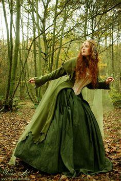 corseted elf dress by Viona-Art Medieval Dress, Medieval Fantasy, Dark Fantasy, Fantasy Art, Costume Original, Portfolio Pictures, Medieval Wedding, Fantasy Costumes, Fantasy Dress