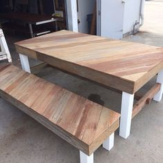 Handmade recycled pallets and fence palings table