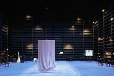 Orpheus and Euridice. Staatstheater Kassel. Scenic design by Johannes Schutz. 2003