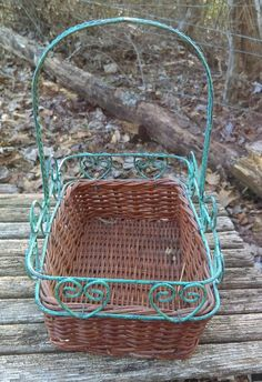 Vintage wicker basket/Basket with Green by GenesisVintageShop