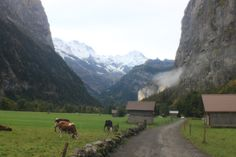 ღღ Walking towards Trummelback Falls near Murren, Lauterbrunnen, Switzerland