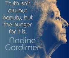 """""""La verità Non è sempre bella , ma è bello averne fame !"""" Nadine Gordimer  il nostro #mondaymantra è per Lei  .. È morta a 90 anni la scrittrice sudafricana Nadine Gordimer, a Johannesburg. Era considerata, con Doris Lessing, una delle più importanti scrittrici sudafricane in lingua inglese. Aveva vinto il Booker Prize nel 1974 e il Premio Nobel per la letteratura nel 1991.. — con Nadine Gordimer."""