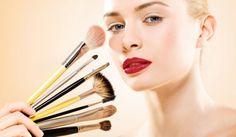 Quer coisa mais gostosa do que comprar novos produtos, maquiagens e cosméticos e testar com as amigas cada um deles no conforto da sua própria casa? Melhor
