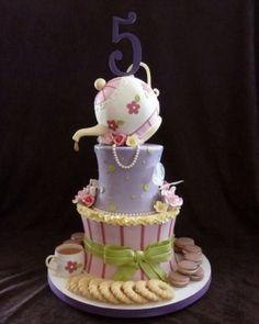 Tea pot cake by elinor