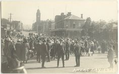 ANZAC Day in Pictures Around Australia in the Years 1920 & 1922 Includes a poem titled Gallipoli by P. of Anson's Bay, Tasmania Anzac Day Australia, Poem Titles, Lest We Forget, World War One, Historical Pictures, Tasmania, Wwi, 1920s, Sydney