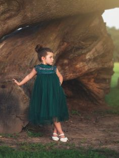 Take a look at this Trish Scully Child Hunter Green Allessandra Dress - Toddler & Girls today! Green Flower Girl Dresses, Hunter Green Dresses, Girls Lace Dress, Lace Flower Girls, Tulle Dress, Baby Dress, Girls Dresses, Dress For Girl Child, Toddler Girl Dresses