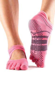 Toesox Women's Bellarina Full Toe Grip Non-Slip for Ballet, Yoga, Pilates, Barre Toe Socks Grip Socks, Toe Socks, Yoga Fashion, Fashion Socks, Mode Yoga, Pilates Barre, Ballet Barre, Yoga Shoes, Athletic Socks