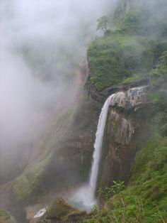 Air Terjun Penimbungan, Torean, Lombok Utara. Sejalur dengan pendakian Pundak Rinjani lewat rute Sembalun dan Senaru.