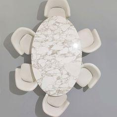 'Saarinen Oval Dining Table by Knoll. @2Modern'