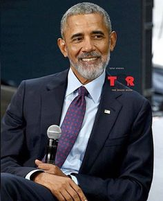 What a handsome guy for God sakes! My dear President Barack Obama forever! Black Presidents, Greatest Presidents, American Presidents, Michelle Obama, First Black President, Mr President, Durham, Joe Biden, Presidente Obama