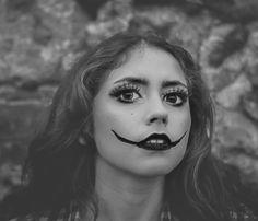 Es Una Historia Corta basada en un estilo propio con una idea basada literalmente en el silencio y la mirada como transformación poética. Es Una Historia Corta basada en un estilo propio con una idea basada literalmente en el silencio y la mirada como transformación poética. httpa//kiomotto.blogspot.com.es/ modelo : Belen Rivero  maquilladora: Monica Taisma Rosales  fotografo experimental: zattuzito vera zainz  año: 2015 httpa//kiomotto.blogspot.com.es/