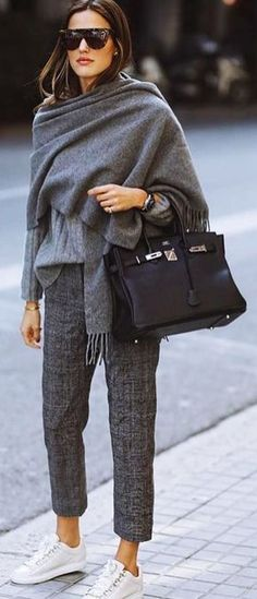 Tendances mode automne-hiver Discover the fall-winter fashion trends of the seas Winter Outfits For Teen Girls, Winter Outfits For Work, Casual Fall Outfits, Winter Outfits Women, Winter Fashion Outfits, Dress Casual, Fashion Clothes, Fashion Spring, Winter Maternity Outfits
