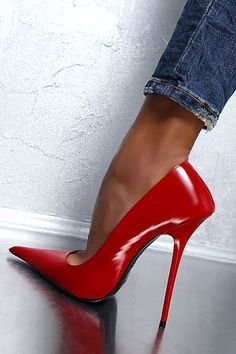 1969 very pointed toe red patent leather stiletto pumps 06 #stilettoheelspointed