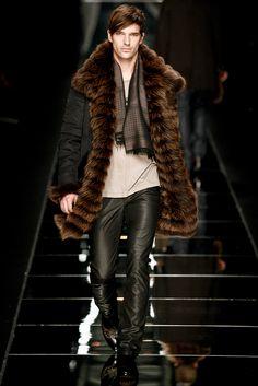 John Richmond Fall 2011 Menswear Fashion Show Fur Fashion, Leather Fashion, High Fashion, Winter Fashion, Fashion Show, Mens Fashion, Piel Natural, Mens Fur, Hommes Sexy