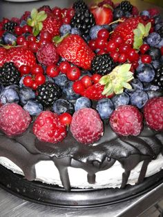 Čokoládový dort s ovocem Acai Bowl, Raspberry, Fruit, Breakfast, Acai Berry Bowl, Morning Coffee, The Fruit, Raspberries, Morning Breakfast