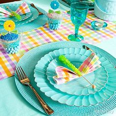 Make a beautiful Easter tablescape based on monochromatic color plus accents in coordinating prints and textural details.