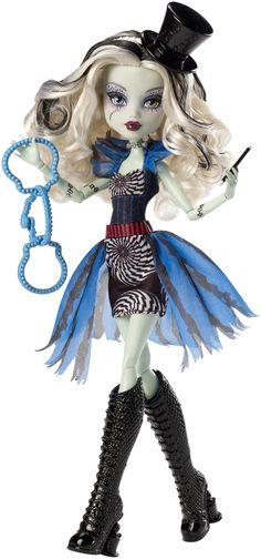 Have: Monster High Freak du Chic Frankie Stein Doll Monster High Frankie Stein, New Monster High Dolls, Love Monster, Monster High Custom, Monster Mash, Ever After High, Mattel Barbie, Mattel Shop, Barbie Doll