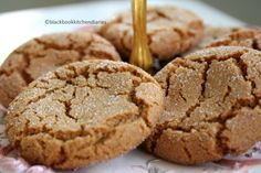 Molasses cookie recipe:  3/4  cup margarine, melted 1     cup white sugar         plus extra for rolling on the cookies 1     egg 1/4  cup molasses, light unsulphured        (blackstrap molasses may be too strong) 2     cups all-purpose flour 2     teaspoons baking soda 1/2  teaspoon salt 1     teaspoon ground cinnamon 1     teaspoon ground ginger