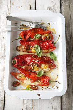 Zoete puntpaprika's uit de oven met mozzarella en tomaat • Nooit meer diëten GezondVoorstel.com