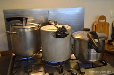 Toba de casa reteta traditionala ardeleneasca   Savori Urbane Kettle, Kitchen Appliances, Urban, Houses, Diy Kitchen Appliances, Tea Pot, Home Appliances, Boiler, Kitchen Gadgets