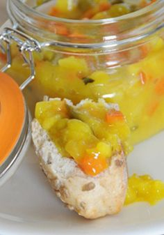 Piccalilli Recipe - Tasty Recipes from Kilner Piccalilli Recipes, Sauce Recipes, Cooking Recipes, Protein Rich Foods, Homemade Pickles, Food To Make, Yummy Food, Favorite Recipes, Stuffed Peppers
