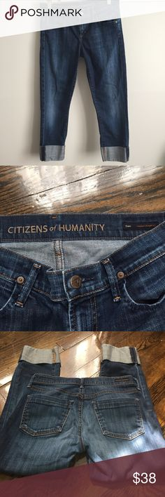 Citizens Of Humanity Dani Cropped Jeans sz 26 Citizens of Humanity Dani cropped straight leg jeans. Size 26. 98% cotton with 2% elastane for stretch. Inseam 23 inches. Jeans Ankle & Cropped