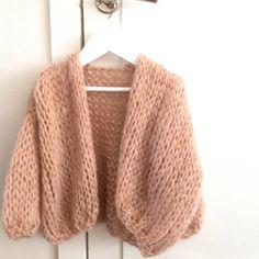 Petit Bernadette Knitting For Kids, Baby Knitting, Chunky Knitwear, Mohair Sweater, Cardigan Pattern, Easy Crochet Patterns, Knit Fashion, Knitting Designs, Beautiful Outfits