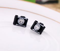 Fashion fashion accessories  camera girls stud earring Factory Wholesale US $0.91