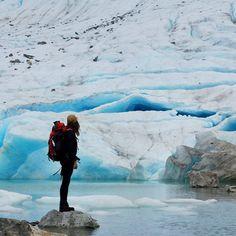 On the blog today >> @sarahcantsea left to her own devices // #wedgemountain #exploreBC #whistler #glacier #winterscoming www.creamandcoal.com