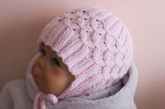 Strick jetzt für Dein Baby / Kind / Enkelkind eine schöne Mütze mit Ohrenklappen, so bleibt Dein Kleines / Dein Kleiner immer schön warm. Probiers aus.