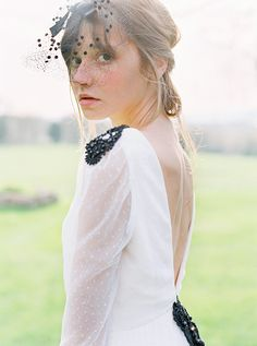 Vestido de novia de L'Arca Barcelona - Tendencias de Bodas Magazine #vestidodenovia #weddingdresses #plumeti Barcelona, Tulle, Weddings, Boyfriends, Barcelona Spain